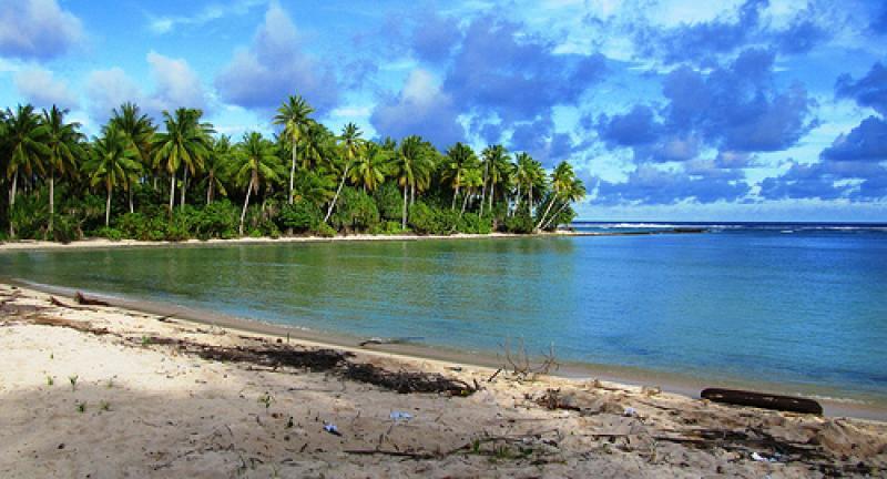 A Mindssze Alig Tbb Mint Szzezer Fs Lakossg Csendes Ceni Szigetllam Kiribati Az Egyetlen Orszg Fldn Amelynek Terlete Mind Ngy
