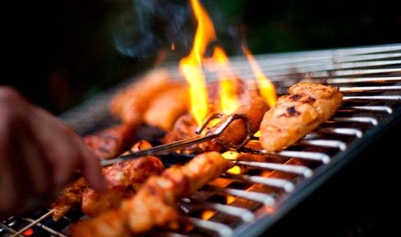 BBQ vagy grillezés? Mégis mi a különbség?