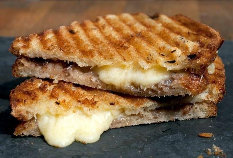 Grillezett sajtos pirog