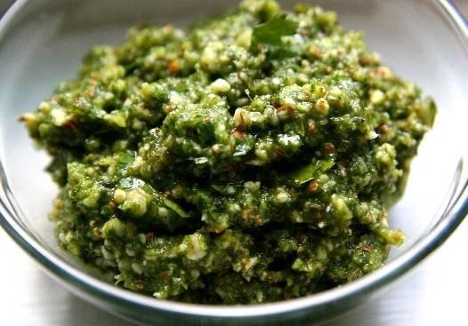 Fűszeres csirke cilantro pesztóval