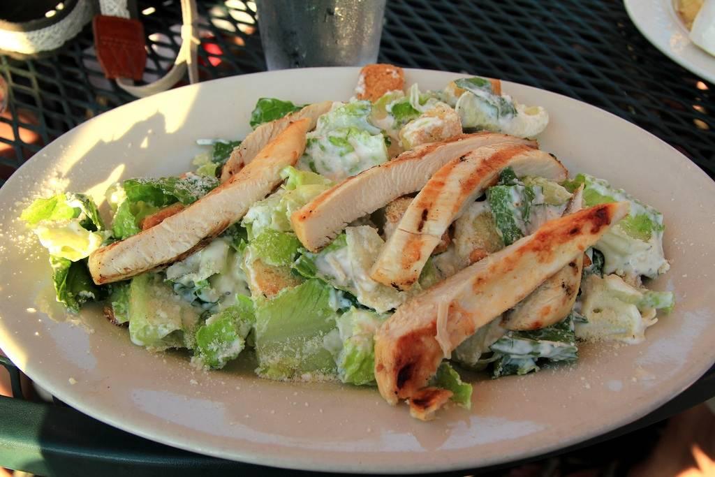 Öntet cézár salátához
