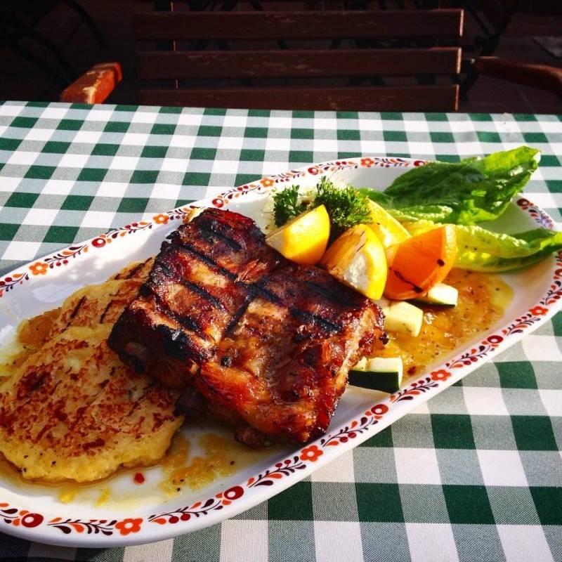 Vodka-Narancsban marinált grill oldalas, rácsos burgonyapogácsával