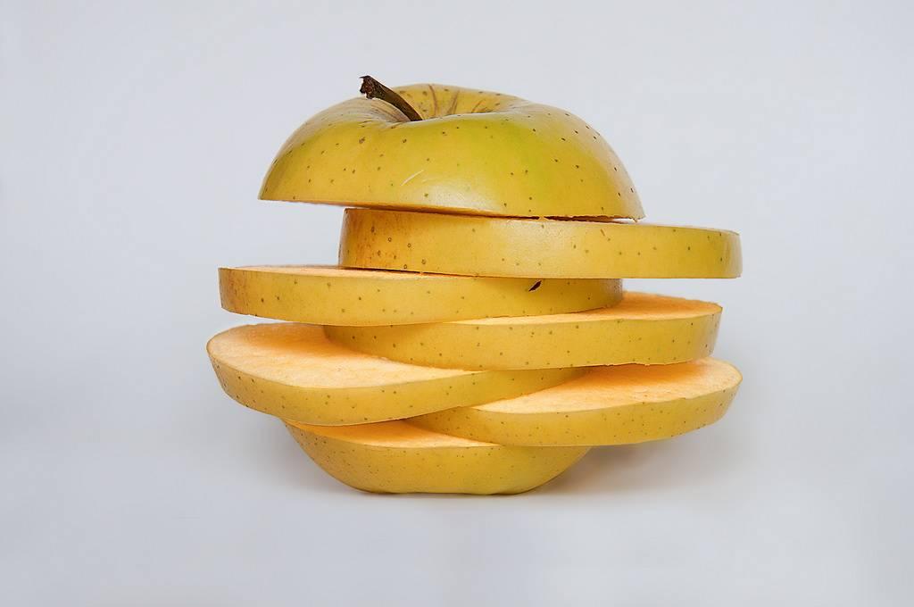 Grillezett almasaláta