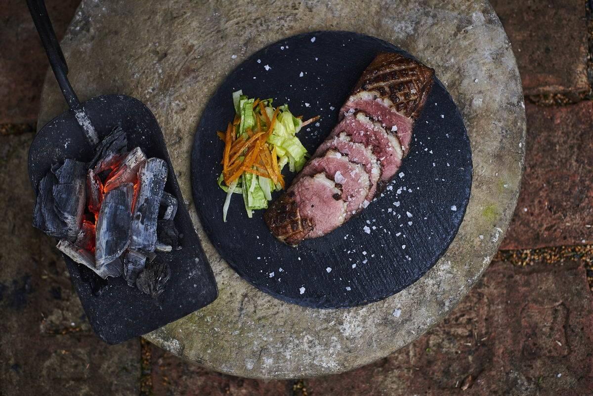 VIDEÓRECEPT! Rosé kacsamell-Édesburgonya jacket-Sült zöldségek
