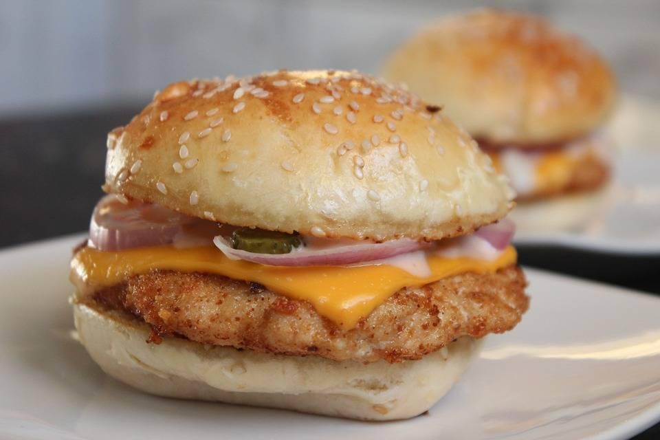 Grillezett lazac burger