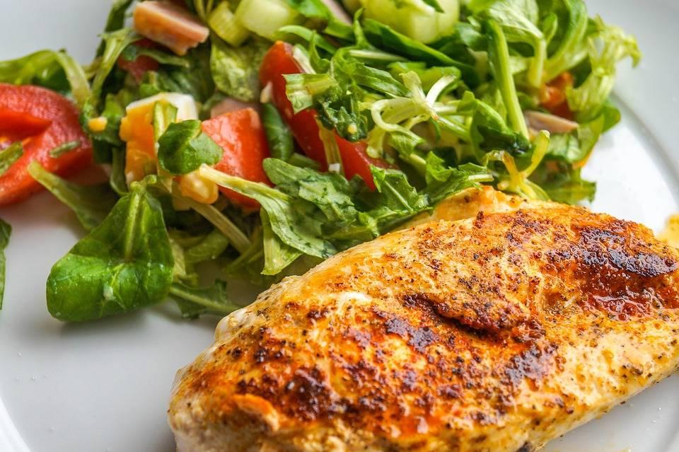 Fokhagymás grillezett csirkemell