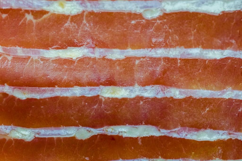 Baconbe tekert húsgolyó