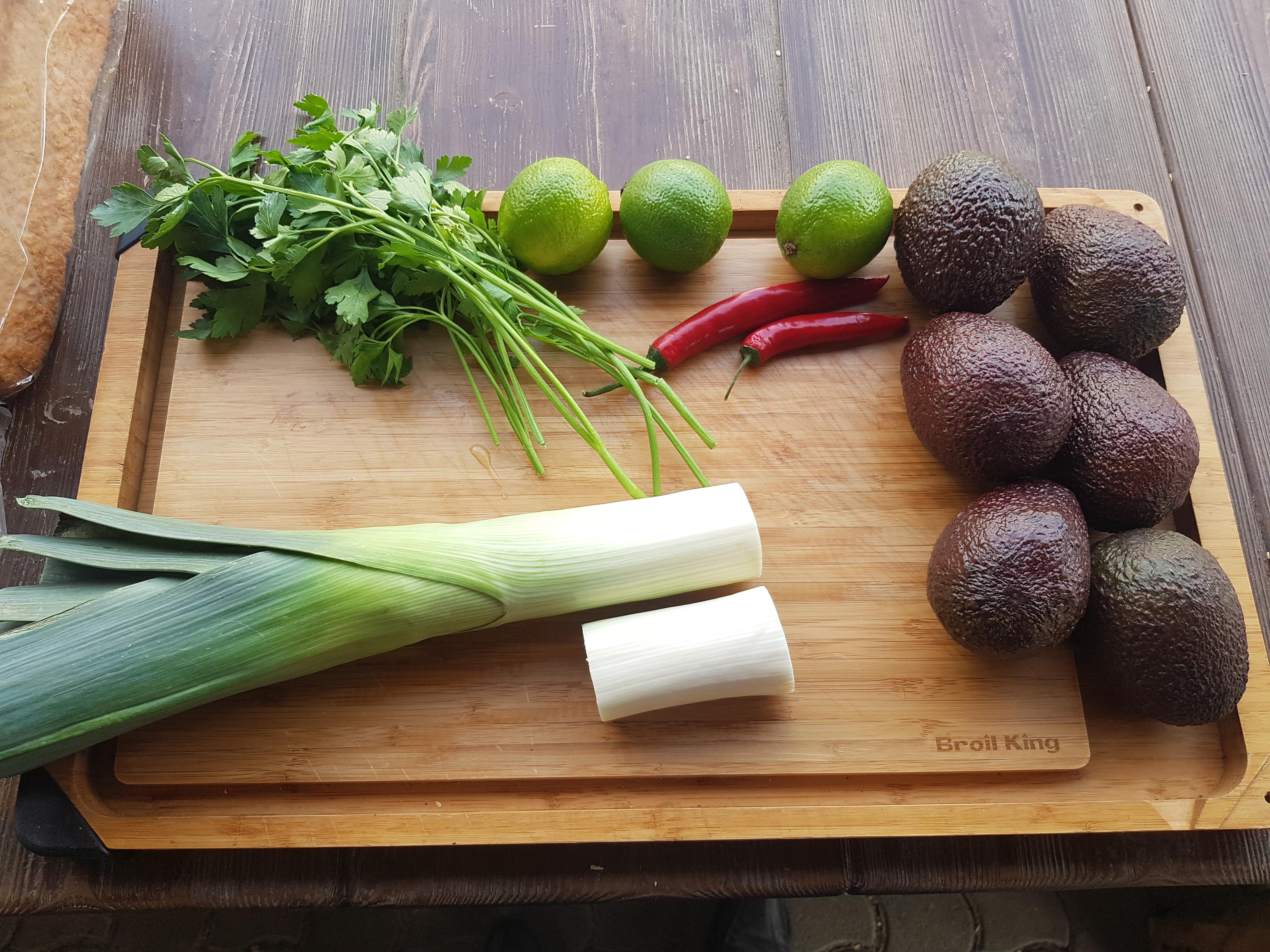 Grillezett avokádókrém kreatívan
