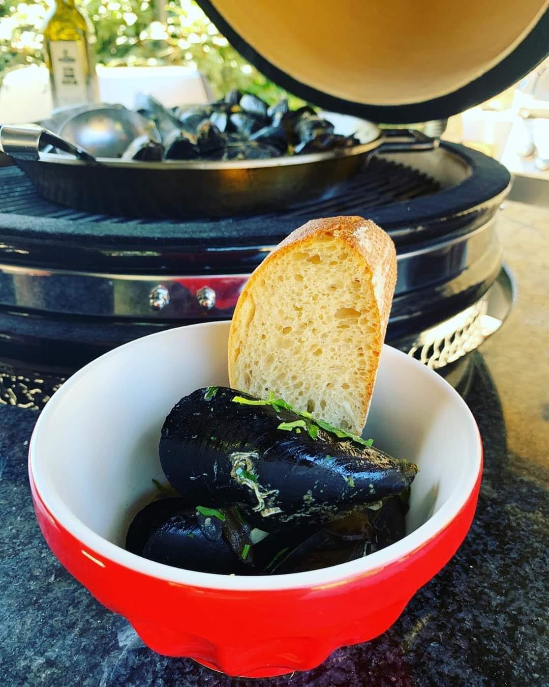 Boros fekete kagyló Kamado Chef kerámia grillen