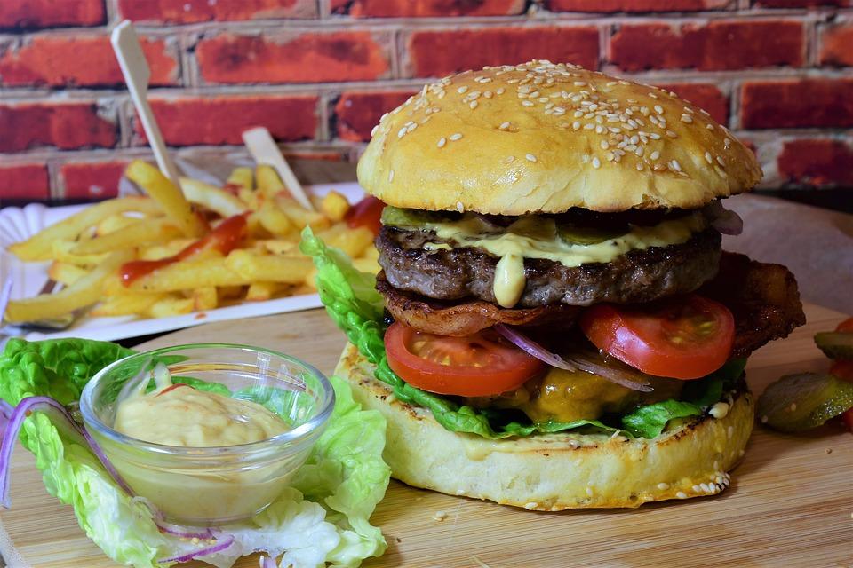 Grillezett BLT burger