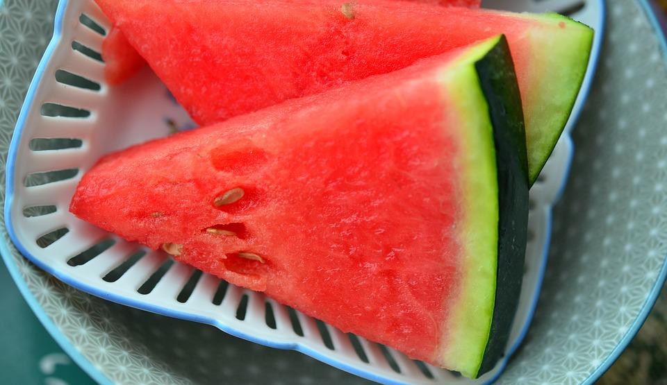 Grillezett görögdinnye kéksajttal