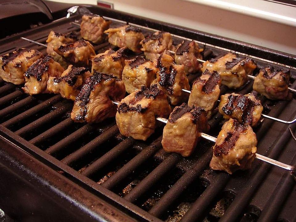 Grillezett brokkoli és marhahús nyárs