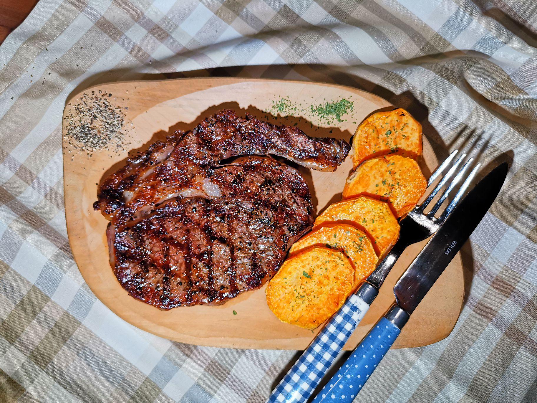 A tökéletes steak elkészítése gázgrillen