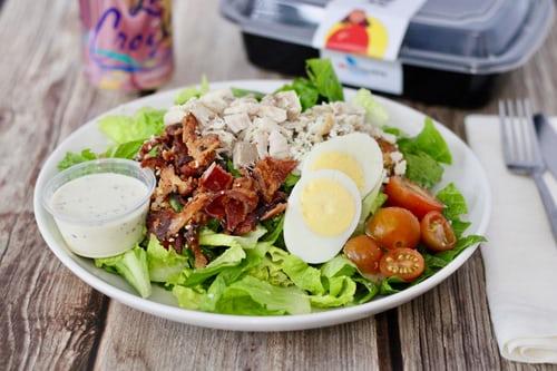 Cobb saláta grillezett garnélával