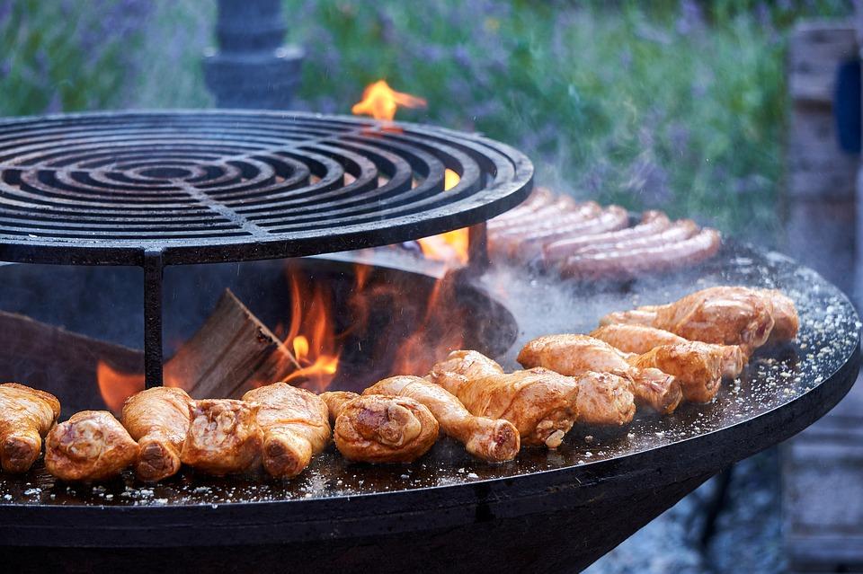 Csípős csirkecombok grillezett kukoricával