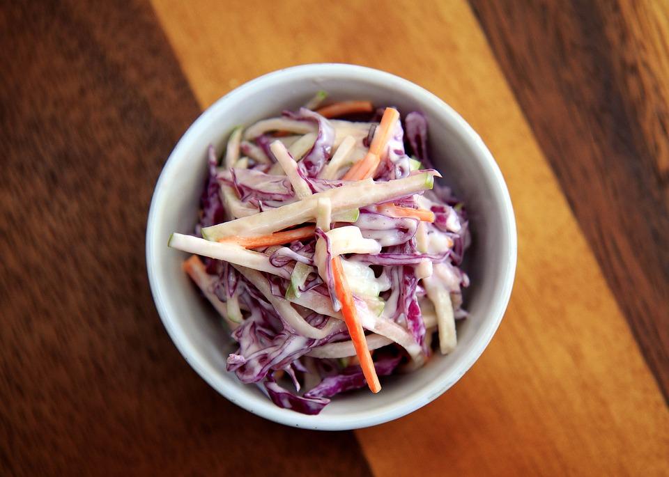 Grillen elősütött káposzta saláta