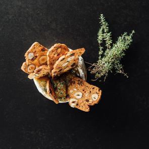 Olvasztott camembert kenyér ropogóssal