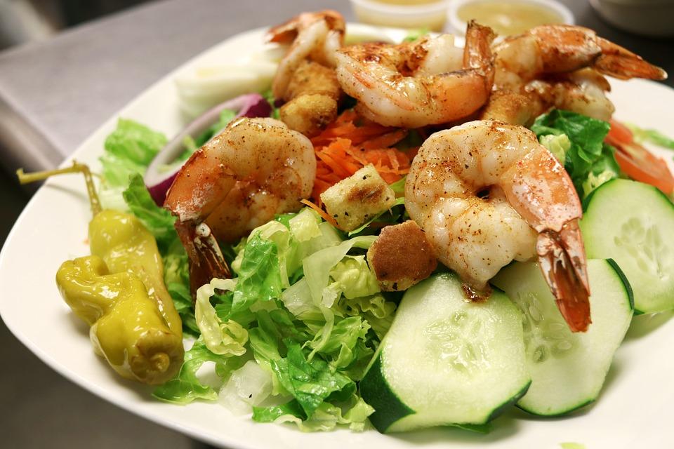 Grillezett garnéla saláta