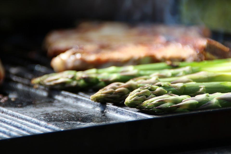 Mozzarellás grillezett spárga