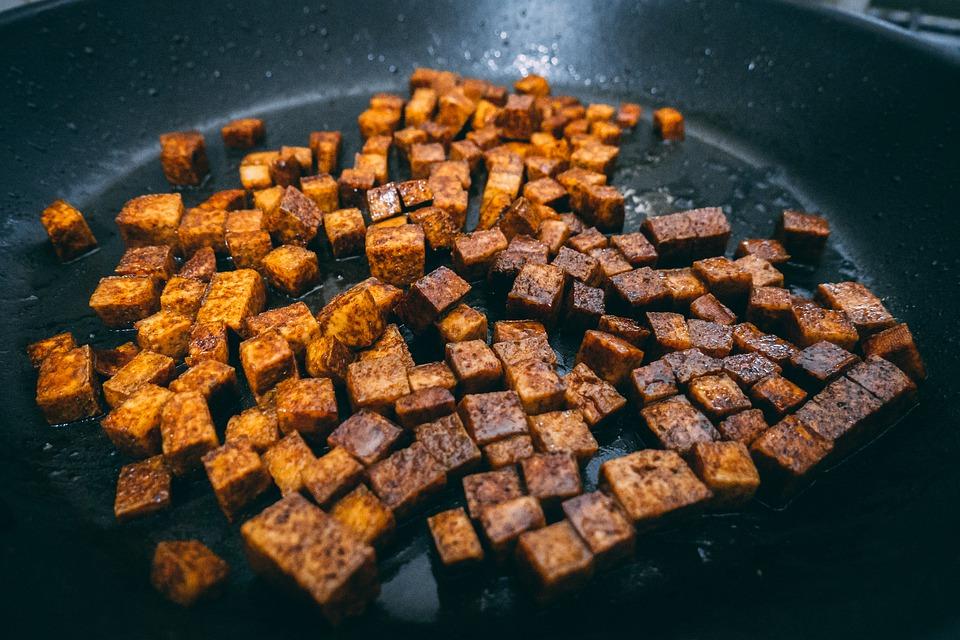 Grillezett tofu juharsziruppal