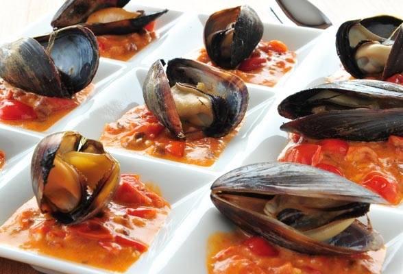 Grillezett kagyló arrabiata salsával